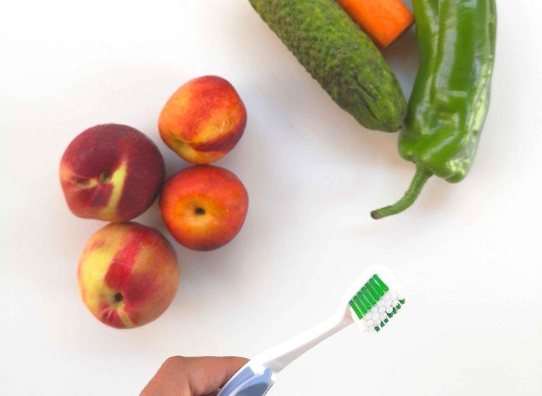 Frutta e verdura: spazzolini portatili naturali